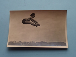 RIE BERNHARD ( Lid Keurkorps Ned. Gymn. Verbond ) Uitgave N° 5 > Brouwer - Wormerveer / Anno 19?? ( Zie Foto's ) ! - Gymnastics