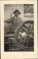 Cp Portrait D'un Homme Avec Machine, Métier à Tisser - Métiers
