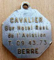 NM-147 Médaille Hexagonale Publicitaire Au Dos,St Christophe CAVALIER Bar Hôtel De L'Aviation BERRE - Religione & Esoterismo