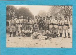 Carte Photo Militaires : Au Centre Sergent T. Besset 75 R I, Situé à Romans. - Romans Sur Isere