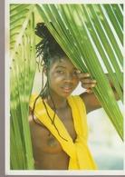 C. P. - PHOTO - JOLIE SENEGALAISE - AFRICA - DAKAR - A 15 - - Sénégal