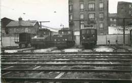 040220A TRANSPORT TRAIN CHEMIN DE FER - PHOTO BREHERET 1955 - 94 IVRY Le Dépôt Gare - Ivry Sur Seine