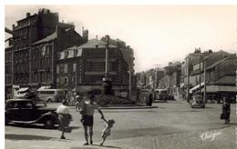 Place Carnot: Années 50, Voitures, Trolleybus, Animation - Limoges