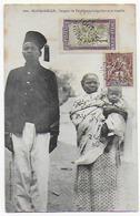 Cpa Bon Etat , Madagascar ,  Sergent De Tirailleurs Malgaches Et Sa Famille , Courrier Verso, 2 Timbres Recto Cpa - Madagascar