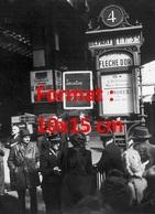 Reproduction D'une Photographie Anciennede Passagers Gare Du Nord Du Train La Flèche D'or Compagnie Wagons-lits - Reproductions