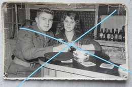 Photo BRASSCHAAT Regio Merksem Antwerpen Kapellen Café Golding Campina Bière Bier Soldat Belge Et Fiancée - Orte