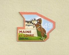 """Magnets. Magnets """"Le Gaulois"""" Départements Français. Le Maine Et Loire (49) - Altri"""