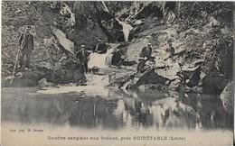 NOIRETABLE (Loire) : Le Gouffre Sanglant Aux Ruines (1915) Avec Tampon Croix Rouge - Noiretable