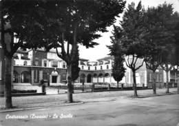 """6520 """" CASTREZZATO (BRESCIA)-LE SCUOLE """" - CART. POST. ORIG. SPEDITA 1961 - Altre Città"""