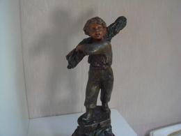 Ancienne Statuette En Régule Retour Du Bois D'aprés Ruchot Patine Deux Couleurs Hauteur 33 Cm - Altri
