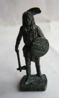 FIGURINE KINDER  METAL  INDIEN I - 4 CRAZY HORSE Fer - KRIEGER Berümmte Indianer-Häuptlinge (2) - Figurines En Métal