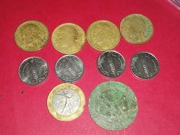 LOT DE 10 MONNAIES FRANÇAISES  5 Centimes 10 Centimes 1 Franc 10 Francs - C. 5 Centimes