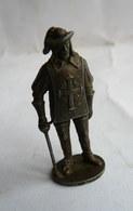 FIGURINE KINDER  METAL SOLDATS EUROPEENS 4a 70's - MOUSQUETAIRE   KRIEGER MUSKETIER (3) - Figurines En Métal