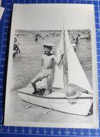 B&W Amateur Photo Boy Garcon Swim Boat Summer 0520 - Anonymous Persons