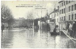 92  Boulogne Sur Seine   1910 Inondation Grande  Rue  Barque  Pont De Fortune Animée - Boulogne Billancourt