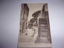 L Isle Sur Sorgue La Rue Des Roues - L'Isle Sur Sorgue
