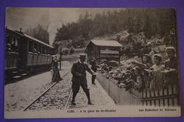 CPA SUISSE VALAIS GARE SAINT NICOLAS Am Bahnhof St Niklaus TOP ANIMEE - VS Valais