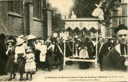 MEZIERES. 1912. La Sortie De L'église Après La Messe - Charleville