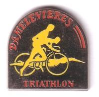 AA187 Pin's Cyclisme Course Natation Triathlon Damelevieres Meurthe Et Moselle Achat Immédiat - Biathlon
