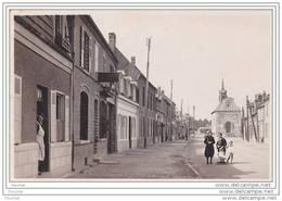 80)  Fouilloy.- (Somme) Rue Aristide Briand - (animée) - Non Classés