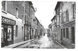 CPA...  LA COTE ST ANDRE..... RUE DE LA REPUBLIQUE  ANIMATION..CREDIT LYONNAIS..ECONOMIQUE  1954.  SCAN - La Côte-Saint-André