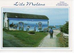 ÎLE MOLÈNE - LE PORT - FRESQUE SUR L'ANCIEN ABRI DU CANOT DE SAUVETAGE - France