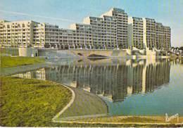 93 - NOISY LE GRAND : Résidence Du Lac ( Immeubles Résidence Cité HLM ) CPSM Grand Format  - Seine St Denis - Noisy Le Grand