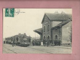 CPA - Combles - La Gare -( Train , Locomotive ) - Combles