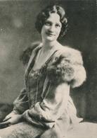 Argentique Reine Astrid Belgique Fourrure Royal Royauté - Famous People