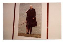 PHOTO DE PHOTO - DE GAULLE LORS DE SON SÉJOUR EN IRLANDE AVEC YVONNE - Reproductions