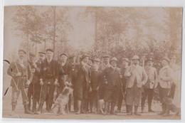 Photographie Ancienne Chasse Groupe De Chasseurs Chasseur Chien Fusil - Deportes