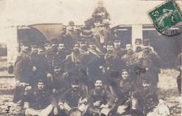 CPA/523.....CARTE PHOTO MONTPELLIER ....MANIFESTATION VITICOLE 1907...SOLDATS AVEC VIGNERON - Montpellier