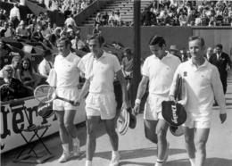 ROLAND GARROS 1969 FINALE DU DOUBLE TONY ROCHE ET JOHN NEWCOMBE PHOTO 17 X 12 CM TIRAGE DU JOURNAL L'EQUIPE - Tennis