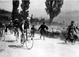 TOUR DE FRANCE 1913 LUCIEN PETIT BRETON  VAINQUEUR EN 1907 ET 1908  PHOTO 17 X 12 CM TIRAGE DU JOURNAL L'EQUIPE - Radsport