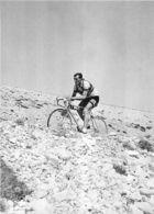 TOUR DE FRANCE 1955 LOUISON BOBET LE MONT  VENTOUX 3em VICTOIRE  PHOTO 17 X 12 CM TIRAGE DU JOURNAL L'EQUIPE - Wielrennen