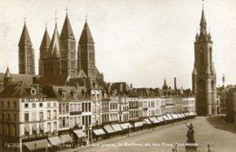 BEGIUM - TOURNAI -  La Grand Place - Le Beffroi Et Les Cinq Clochers - Doornik