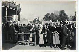 1938. BRETAGNE PONT-L'ABBE. LOT DE 3 PHOTOGRAPHIES PAPIER DEBUT 20è SIECLE UN DIMANCHE JOUR DE FÊTE - Luoghi