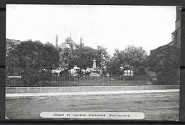 VITTEL   -    Statue  Et  Square  Ambroise  Bouloumié. - Vittel Contrexeville