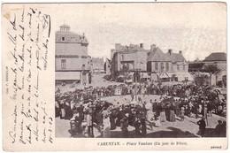 CARENTAN - Place Vauban Un Jour De Fête - Carentan