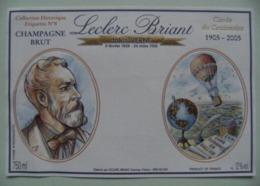 """Etiquette Champagne """"Jules Verne"""" Cinq Semaines En Ballon - Etablissements Leclerc.Briant Epernay 51 - Marne   A Voir ! - Mongolfiere"""