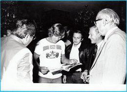 JAMES HUNT - England F1 Driver - World Champion 1976. * ORIGINAL OLD PHOTO - LARGER SIZE * Formula 1 F-1 Racing Cars - Automobile - F1
