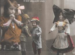 CPA..ENFANT   ARTISTIQUE....LES  POUPEES....1914...SCAN - Portraits