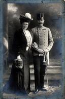 Carte Photo Studio Originale Guerre 1914/18 Portrait D'Art De Couple Allemand & Médailles, Première Guerre Mondiale 1914 - Guerre, Militaire