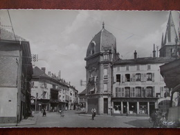 88 - RAMBERVILLERS - Point Central. (Librairie - Chauffagiste) CPSM - Rambervillers