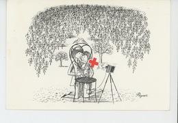PEYNET - Les Amoureux Devant Appareil Photo - Carte Numérotée éditée Par La CROIX ROUGE FRANCAISE - Comité De NEVERS - Peynet
