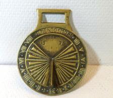 Cadran Solaire En Bronze - Bronzen
