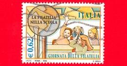 ITALIA - Usato - 2002 - 17ª Giornata Della Filatelia - 0,62 - Lente E Alunni - 6. 1946-.. Republik