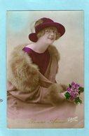 Très Jolie FEMME - Chapeau - Fourrure  - (ELIANE) - 1920 - - Femmes