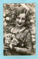 Charmante FEMME  - (PC PARIS) - 1935 - - Mujeres