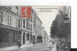 VILLEFRANCHE SUR SAONE N 6  HOTEL DES POSTES ET SQUARE ETIENNE POULET   PERSONNAGES  DEPT 69 - Villefranche-sur-Saone